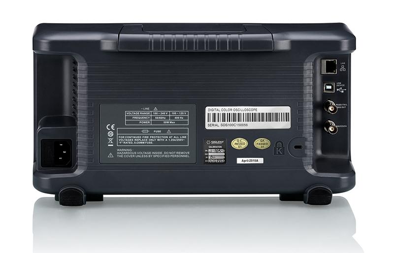 SDS1000X obsługuje USB Host, USB Device (USBTMC), LAN (VXI-11), wyjście Pass/Fail i wyjście wyzwalania
